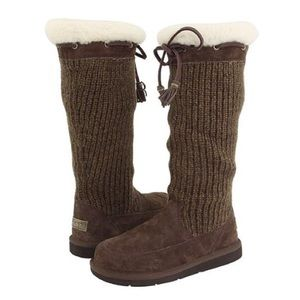 UGG Suburb Crochet Tall Boots Size 8